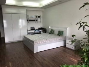 cho thuê căn hộ V1 177 trung kính, DT98m2 3PN,full nội thất, sang trọng,giá 17tr L/H 01655679812