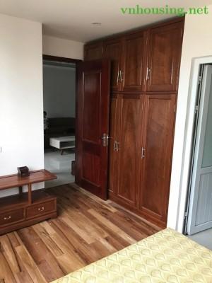 Cho thuê căn hộ chung cư số 2 Hoàng Cầu, Đống Đa, 70m2, 2 ngủ. 10tr. LH:01687847288