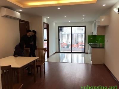 Cho thuê căn hộ CCCC E4-Yên hòa, 80m, 2PN, full nội thất, 154.5tr/tháng. Lh 0964088010