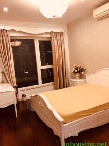 Cho thuê căn hộ chung cư M5 nguyễn chí thanh Dt 150m 3 ngủ đủ đồ, Lh 082 99 067 62